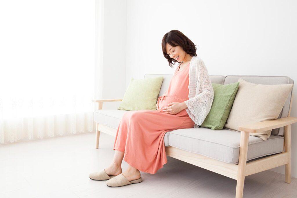 妊娠中に悩まされるむくみの原因と、その対処法とは?画像